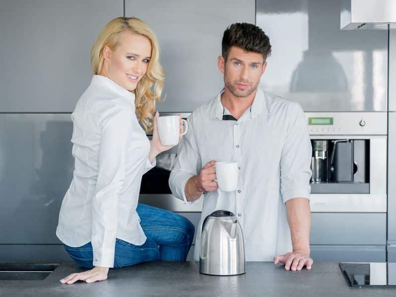 Schmutzige Kaffeekannen - effektive Tipps gegen Ablagerungen