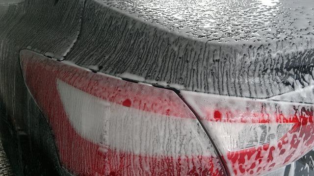 Auto waschen im Frühjahr