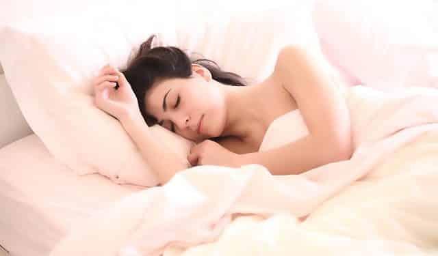 Bild schlafende Frau