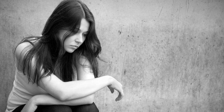 Bild Mädchen mit Serotoninmangel
