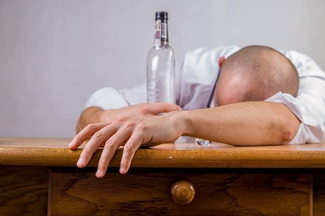 Bild betrunkener Mann