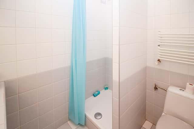 duschvorhang waschen so wird er wieder sauber. Black Bedroom Furniture Sets. Home Design Ideas