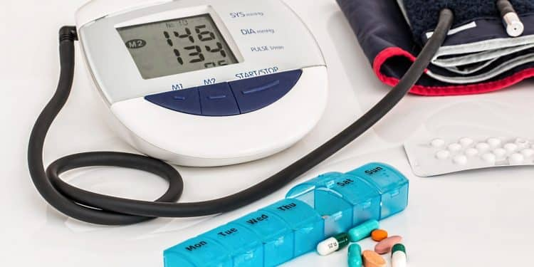 Bild Blutdruckgerät und Medizin