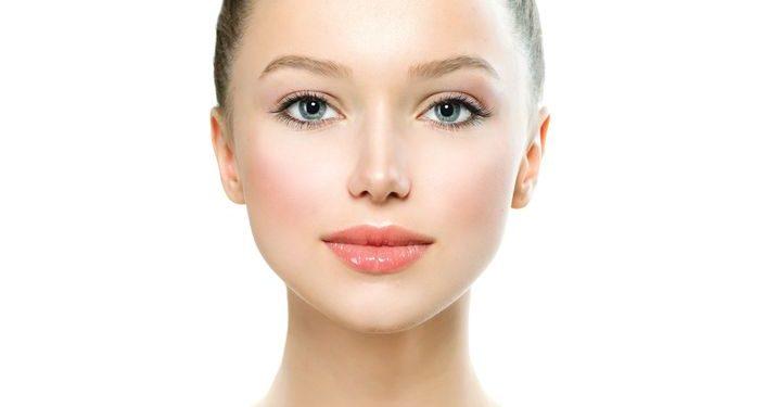 Bild Frau Gesichtspflege
