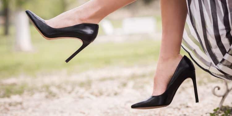 Bild schwarze High Heels