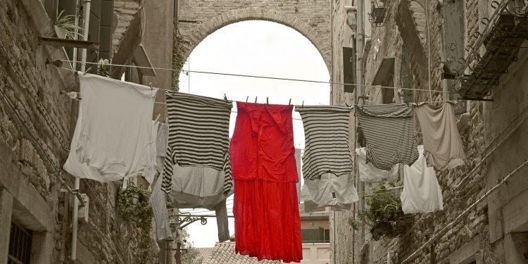 Bild verfärbte Wäsche